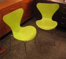 Arne Jacobsen Series 7 Chairs
