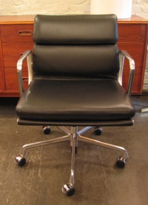 Eames Soft Pad Management Chair by Herman Miller