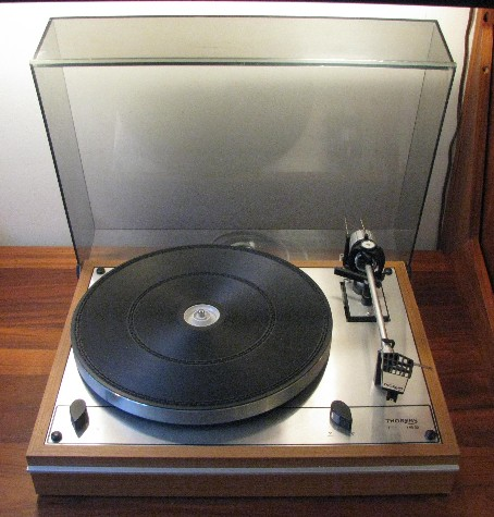 Thorens TD-165 Belt Driven Turntable