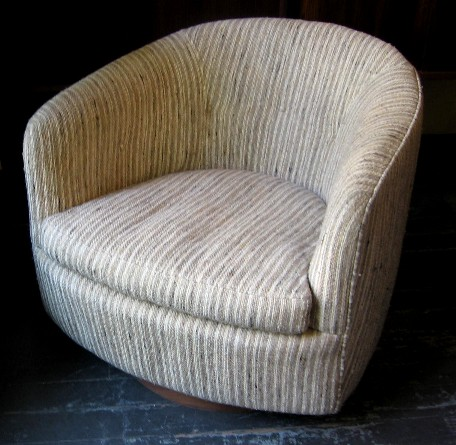 Milo Baughman Swivel/Tilt Barrel Back Chair