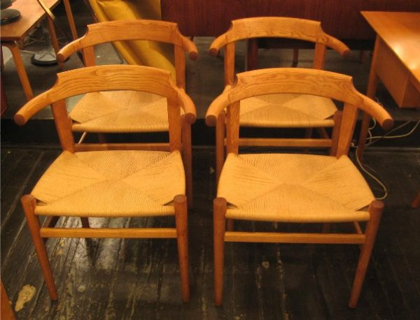 Set of 4 Hans J. Wegner PP68 Chairs