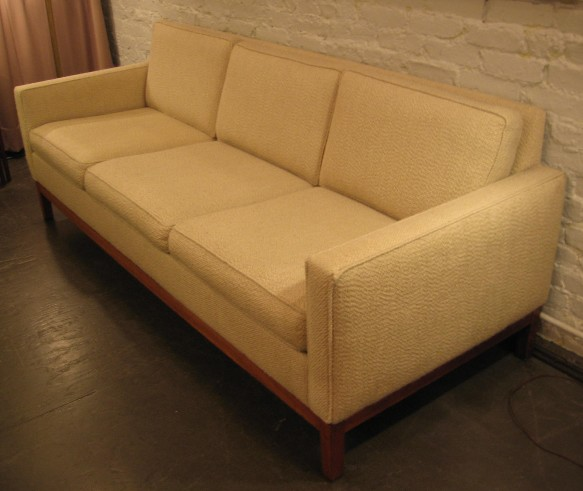 Steelcase Sofa after Florence Knoll