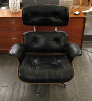 Vintage Eames Style Lounge Chair in Walnut & Leather