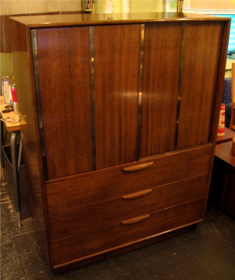 Harvey Probber Mahagony Gentleman's Chest