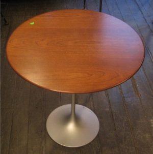 Saarinen Walnut Side Table by Knoll