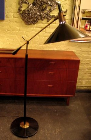 Gerald Thurston 1950s Long Arm Cantilevered Floor Lamp