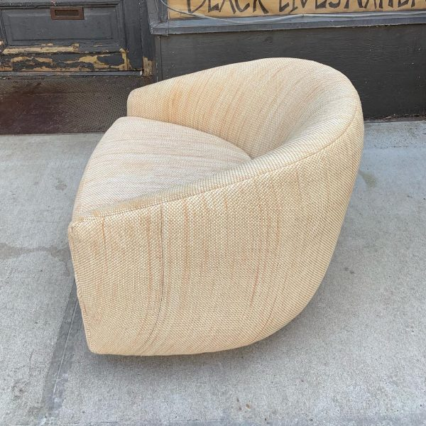 Swivel/Tilt Barrel Back Chair