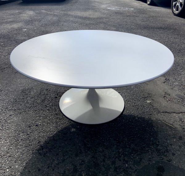 Eero Saarinen for Knoll Tulip Coffee Table