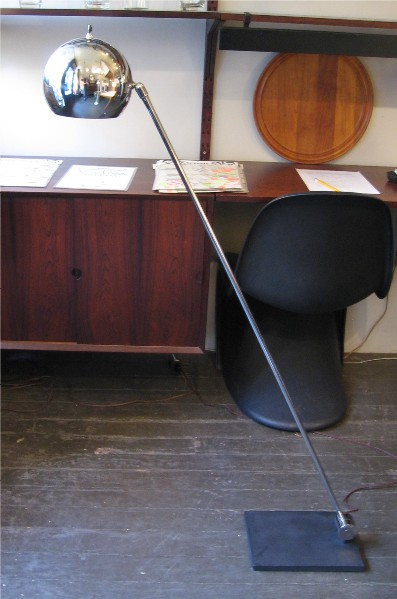 Cantileverd Chrome Floor Lamp by Robert Sonneman